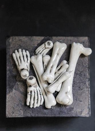 Skeleton bones halloween decor haunted halloween crypt for Bag of bones halloween decoration